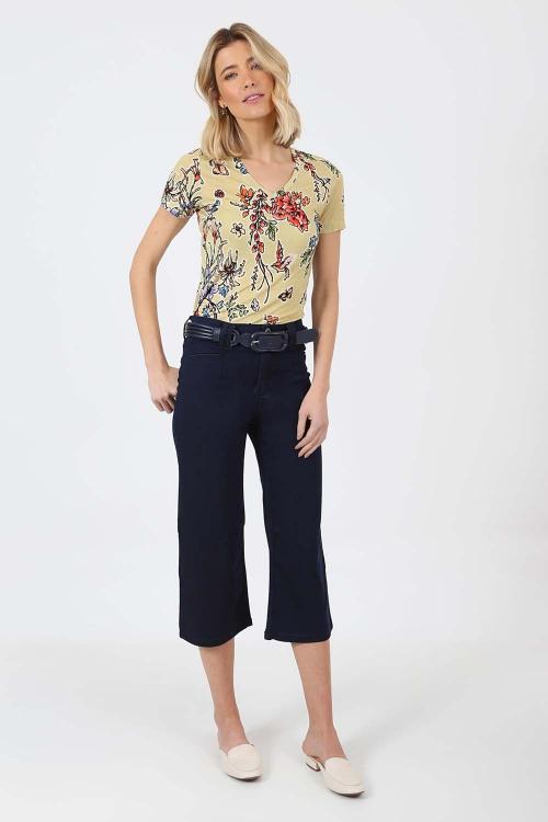 Blusa decote v estampaborboleta - V21